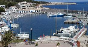 Restaurant in 1. Linie am Hafen von Cala Ratjada / Mallorca