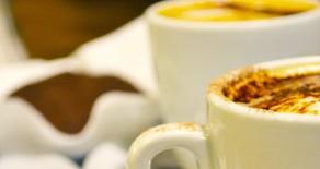 Café-Restaurant im Wiener Kaffeehaus-Stil in Sóller / Mallorca, im Tal der Orangen mitten im Weltkulturerbe Sierra de Tramuntana