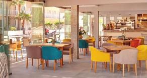 Sehr erfolgreiches neues Restaurant mit großer Terrasse in Cala Ratjada / Mallorca zu pachten